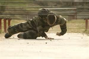 Outre Terre Heroes Charge by Les Soldats 224 L Entra 238 Nement Sur Le Parcours D Obstacles