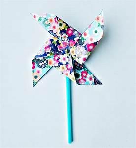 Moulin A Vent Enfant : bricolage fabriquer un moulin vent en papier ~ Melissatoandfro.com Idées de Décoration