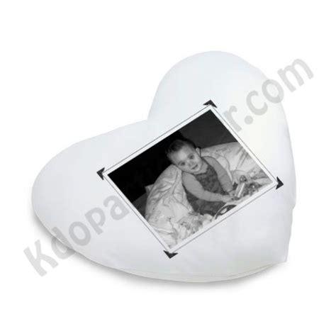 coussin en coeur personnalise le coussin personnalis 233 en forme de coeur