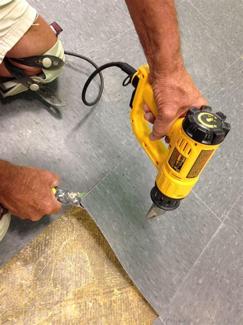 remove vinyl flooring   effort  mess