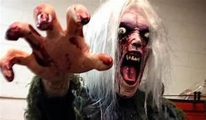 Déguisement Halloween Qui Fait Peur : top 5 des accessoires effrayants de halloween ~ Dallasstarsshop.com Idées de Décoration