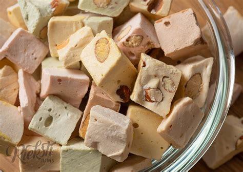 Sešu krāsu nuga ar mandeļu riekstiem 1 kg - Rieksti Jums