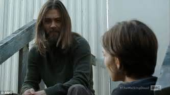 tom payne man bun tom payne discusses his jesus character coming out as gay