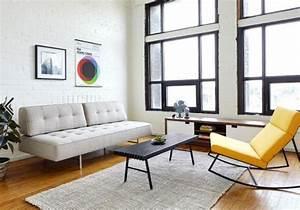 Deco moderne pour le salon 85 idees avec canape gris for Tapis rouge avec ensemble canapé tissu