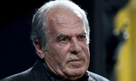 1987 yılından itibaren teknik direktör olarak görev yapmaktadır. Mustafa Denizli, iki gün arabada yatmak zorunda kaldı... - Tele1