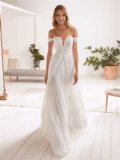 Onice Romantic Wedding Dress With Sweetheart Neckline And
