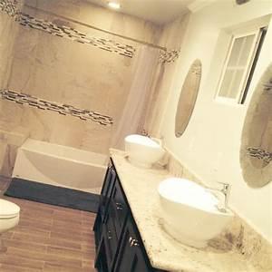 du carrelage dans votre salle de bain la bonne idee With carrelage salle de bain colore