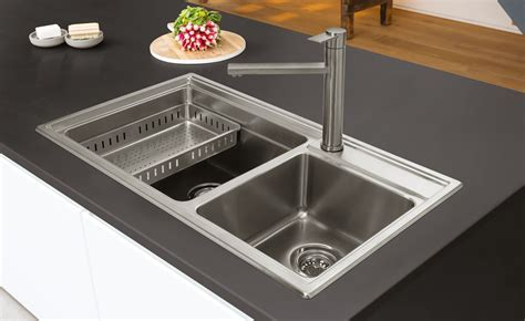 How to Choose a Kitchen Sink   Homebuilding & Renovating