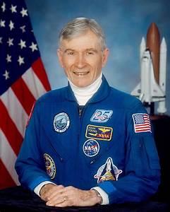 John Young (astronaut) - Wikipedia