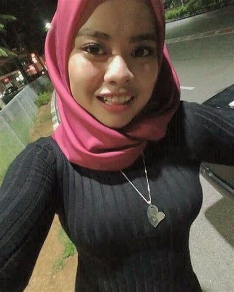 gambar mungkin berisi     girl hijab beautiful muslim women hijab chic