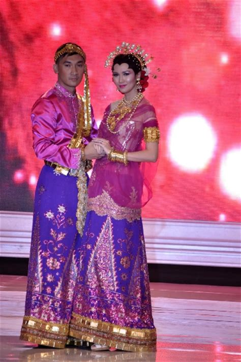 Baju Bodo Modern Modifikasi by Indahnya Busana Pengantin Tradisional Republika