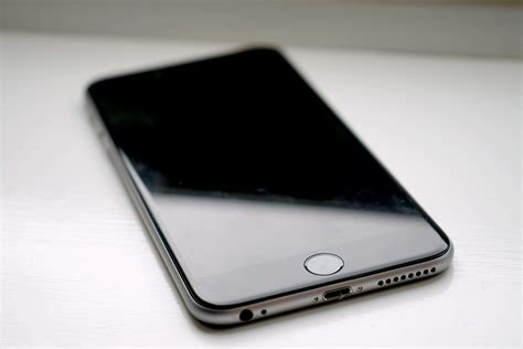 iPhone 7s Plus may get curved glass body