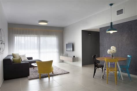 Minimalist 1 Bedroom Apartment Designed For A Young Man : Budget Minimalist Apartment Designed For A Young Couple In