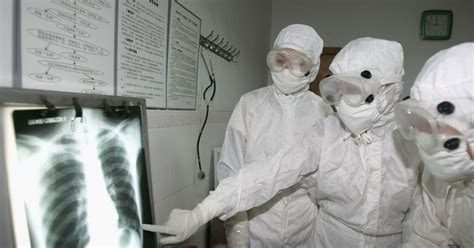 china struggles  identify mystery virus   people