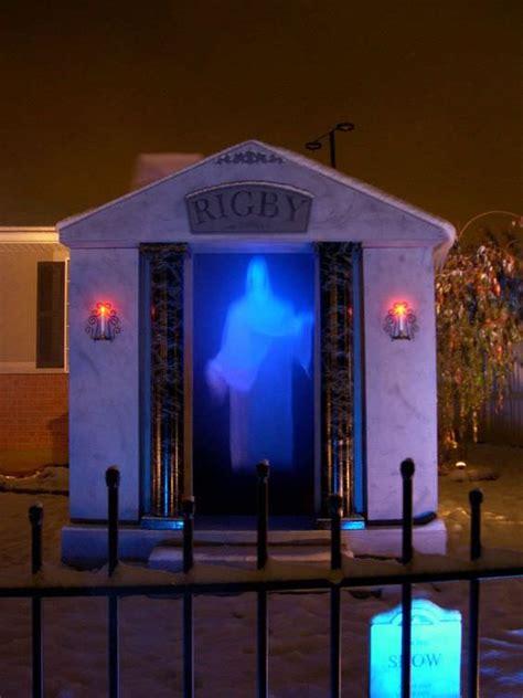 diy halloween graveyard  budget decorator