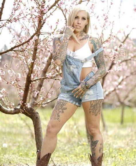 Kualitas foto terbaik, tanpa perlu atribut. Top 10 Foto Model Cewek Cantik Bertato Paling Keren Dan Seksi - Part 6 - Tato Terbaru
