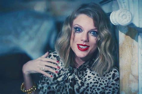 Taylor Swift Readies Major Surprise? - That Grape Juice