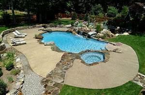 Outdoor design trend 23 fabulous concrete pool deck ideas for Concrete pool patio ideas