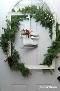 Love the simple outdoor Christmas decorations