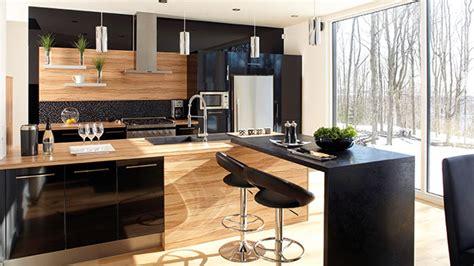 cuisine en bois h黎re déco cuisine mur noir