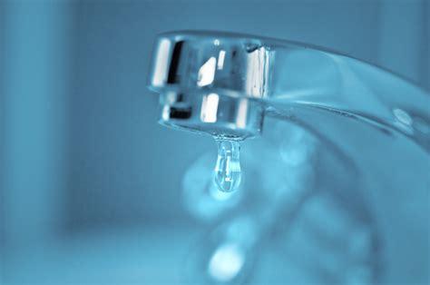 rubinetto perde acqua come aggiustare un rubinetto perde di habitissimo