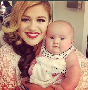 Kelly Clarkson reveals inspiration behind her daughter's name