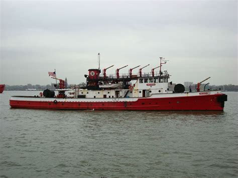 Fireboat Greenport by New York
