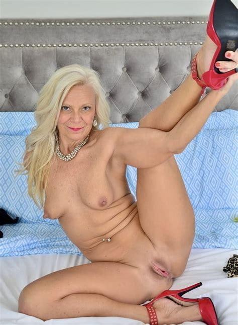 Nude Cunts Of Grannys Gilfs Mature Milfs 199 Pics 4
