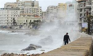Several ports closed due to bad weather in Egypt - Egypt Today