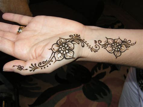 easy henna tattoos design