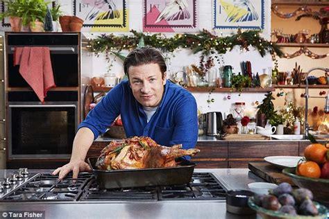 cuisine tv oliver oliver 39 s parents 39 pub gets 2 rating daily