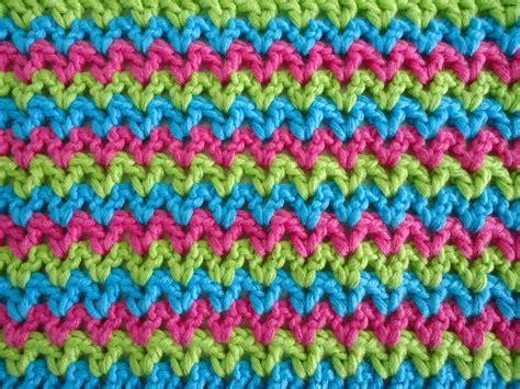 how to crochet av stitch dinki dots craft v stitch and those pesky ends
