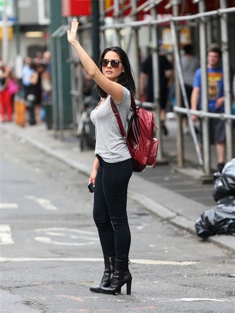 olivia munn  tight pants  ny  fabzz