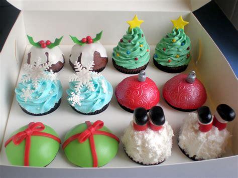 christmas cupcakes the pretty purveyor holy christmas cupcakes