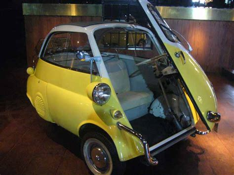 Isetta 300 amarillo