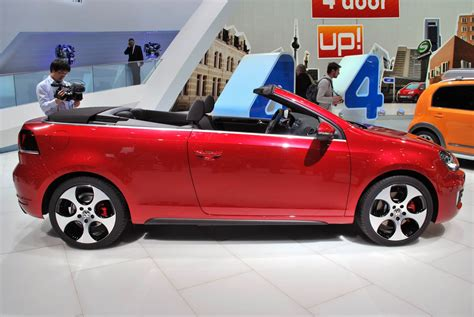 2018 Volkswagen Golf Gti Cabriolet Pops Its Top Just Can