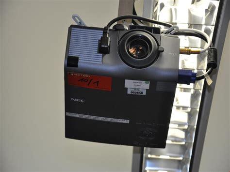 beamer gebraucht kaufen nec vt440 beamer projektor mit leinwand gebraucht kaufen