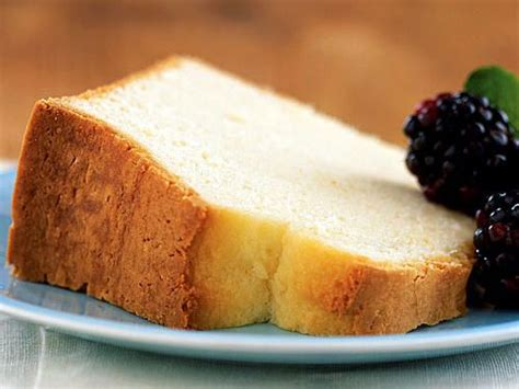 A decadent and tasty dessert for. Diabetic Desserts | Sour cream pound cake, Healthy cake ...