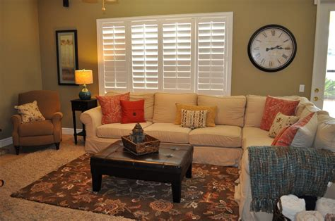 How To Decorate A Small Family Room Billingsblessingbagsorg