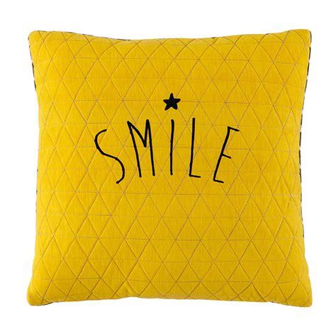 coussin chambre bébé coussin jaune gris 40 x 40 cm smile maisons du monde
