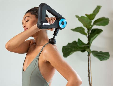 How To Use A Theragun Massage Gun For Muscle Recovery | Goop