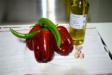 cuisiner les poivrons rouges poivrons à l huile tout simplement the cooking