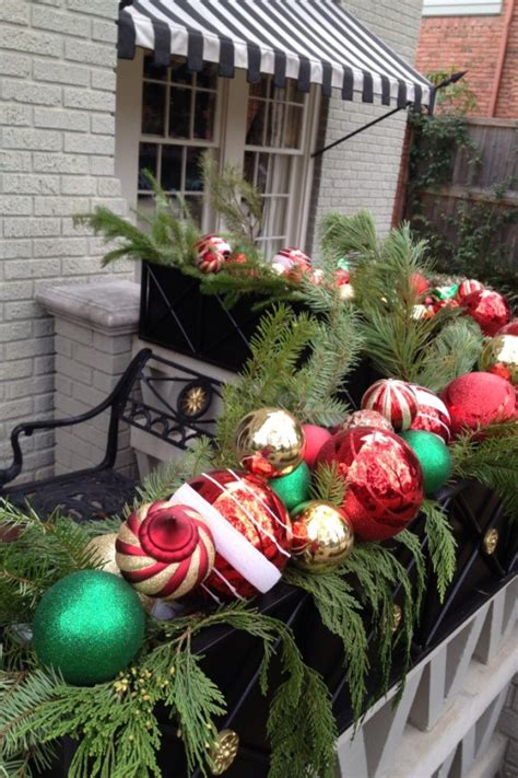 christmas balcony decorations 17 cool christmas balcony d 233 cor ideas digsdigs