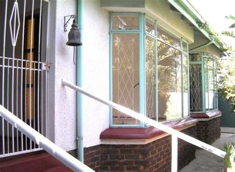 Garden Cottage For Rent by Free Standing Garden Cottage For Rent In Bedfordview