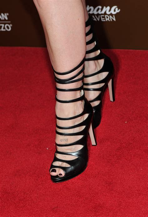 finola hughess feet