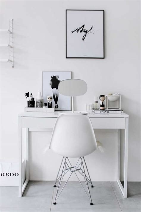 Vanity Table Chairs by 50 Beautiful Vanity Chairs Stools To Add Elegance To