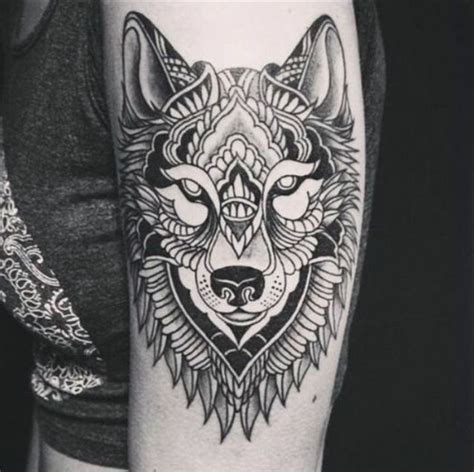 tatouage loup indien cochese tattoo
