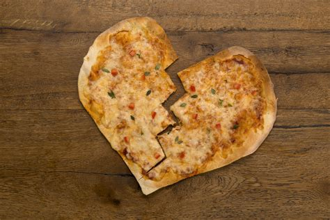 hilarious heart shaped pizza fails remind