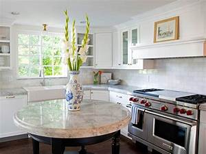 Round kitchen islands pictures ideas tips from hgtv hgtv for Round kitchen island
