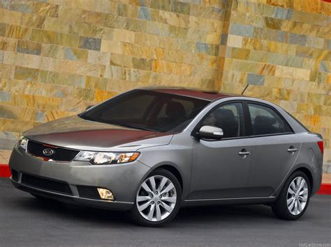 The new kia cerato 2021 has come to the attention of many who are looking for a model with greater interior space, comfort. Фото Kia Cerato 2010 (37)